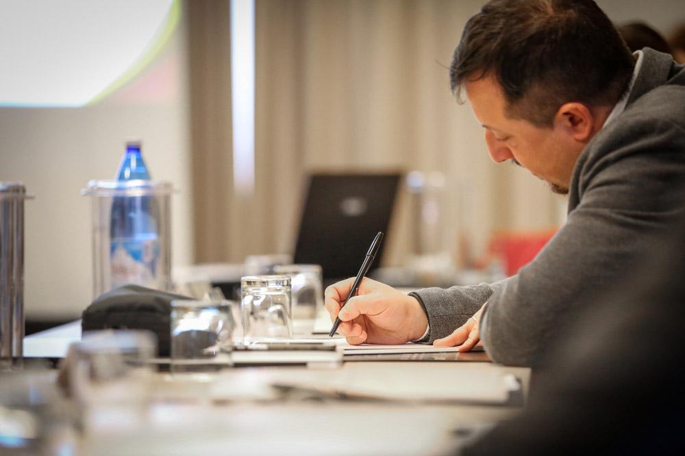 Francesco Costanzini durante una formazione